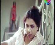 Sinhala aunty seduce hubby from srinagar sinhala very fat aunty sex plug full open sexy v