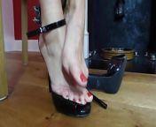Sexy mom feet... from mom feet