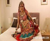 Gujarati Indian College Babe Jasmine Mathur Garba Dance from gujarati film mhed